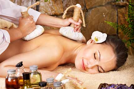 thai-kraeuter-stempel-massage